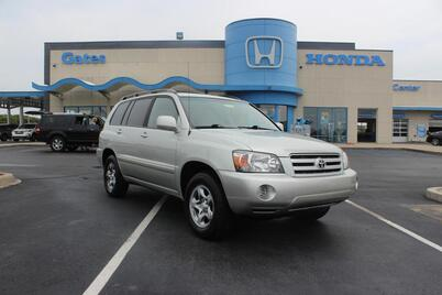 2004_Toyota_Highlander_4dr 4-Cyl_ Richmond KY