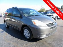 2004_Toyota_Sienna_LE_ Moore SC