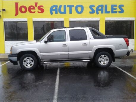 2005_Chevrolet_Avalanche_1500 2WD_ Indianapolis IN
