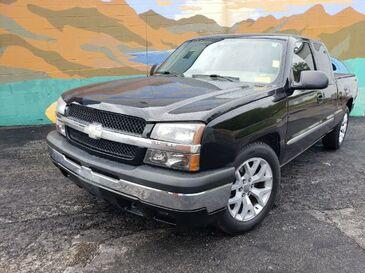 2005_Chevrolet_Silverado 1500_Ext. Cab Short Bed 2WD_ Saint Joseph MO