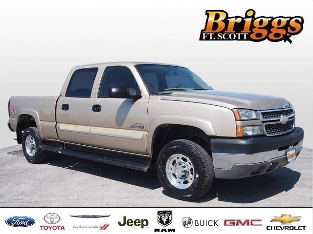 2005 Chevrolet Silverado 2500HD Crew Cab 153 WB 4WD LS Fort Scott KS