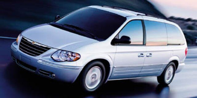 2005 Chrysler Town & Country Base Akron OH