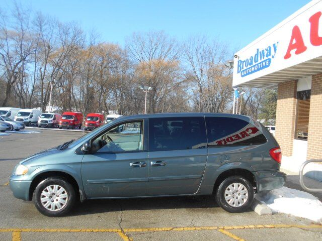 2005 Chrysler Town & Country LX Green Bay WI