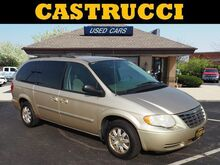 2005_Chrysler_Town & Country_Touring_ Dayton OH