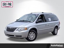 2005_Chrysler_Town & Country_Touring_ Wesley Chapel FL