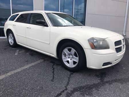 2005_Dodge_Magnum_SE ** LOW MILES ** ONE OWNER **_ Salisbury MD