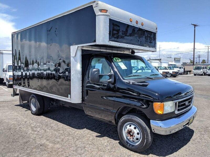 2005 Ford E-350 14FT Box Truck
