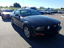 2005_Ford_Mustang_GT Deluxe_  FL