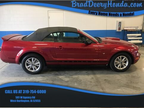 2005_Ford_Mustang_V6_ West Burlington IA