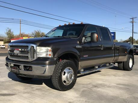 2005_Ford_Super Duty F-350 DRW_Lariat_ Killeen TX