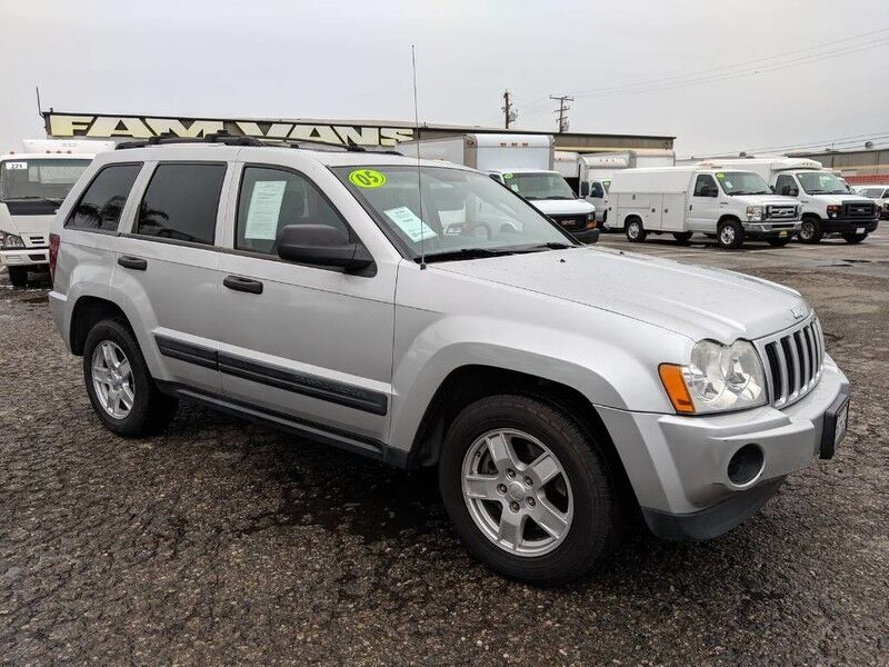 2005 Jeep Grand Cherokee LAREDO SUV
