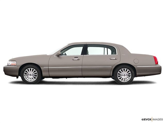 2005 Lincoln Town Car Signature Limited Indianapolis IN