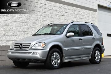 2005_Mercedes-Benz_ML500_4Matic_ Willow Grove PA