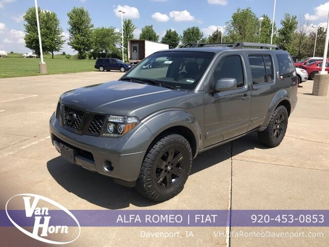 2005 Nissan Pathfinder SE Plymouth WI