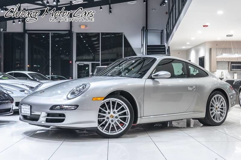 2005_Porsche_911 Carrera_**6-Speed**_ Chicago IL