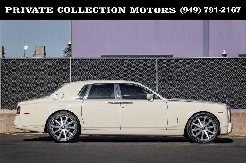 2005_Rolls-Royce_Phantom__ Costa Mesa CA