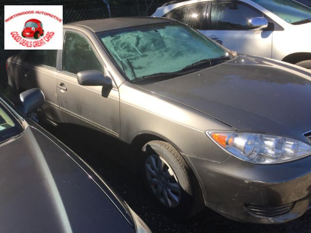2005 TOYOTA CAMRY XLE LE North Charleston SC