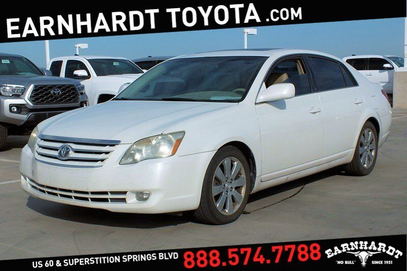 2005 Toyota Avalon XLS *WELL MAINTAINED*