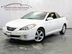 2005_Toyota_Camry Solara_SE / 3.3L V6 Engine / FWD / Soft Top Convertible / Leather Seats_ Addison IL