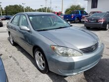 2005_Toyota_Camry_XLE_  FL