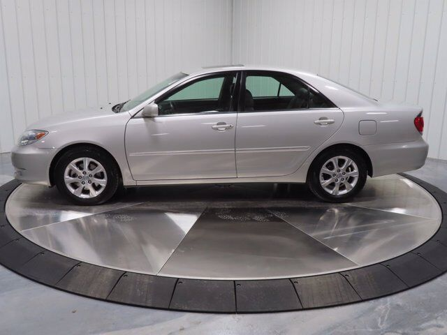 2005 Toyota Camry XLE V6 Moline IL