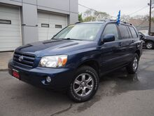 2005_Toyota_Highlander__ Lexington MA