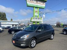 2005_Toyota_Sienna_XLE_ Eugene OR