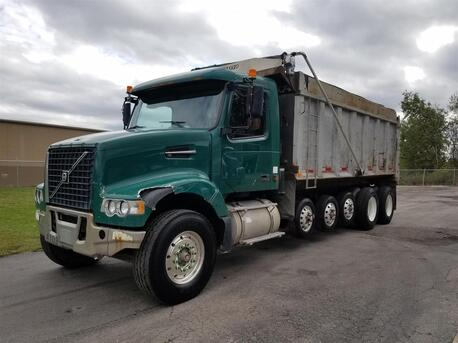 2005_Volvo_VHD64F200__ Eau Claire MN