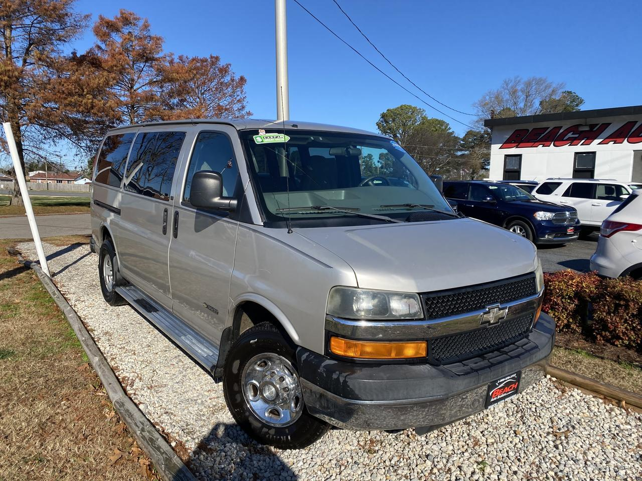 2006 CHEVROLET EXPRESS 3500, WHOLESALE TO THE PUBLIC, DVD PLAYER, SATELLITE RADIO, BACKUP CAM, PARKING SENSORS, CLEAN! Norfolk VA
