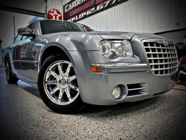 2006_CHRYSLER_300_C 5.7L HEMI V8_ Bridgeport WV