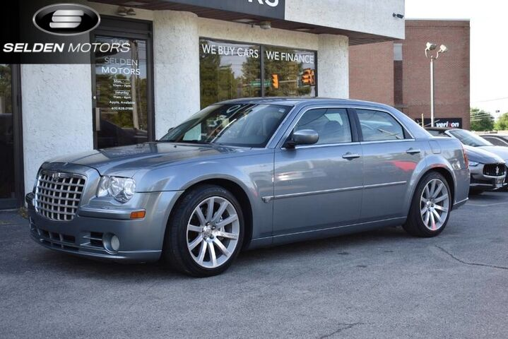 2006_Chrysler_300_C SRT8_ Conshohocken PA