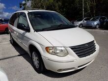 2006_Chrysler_Town & Country LWB_Limited_  FL