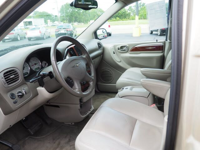 2006 Chrysler Town & Country LWB Limited Middletown OH