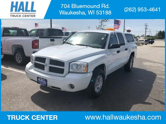 2006 Dodge Dakota 4.7L SLT Quad Cab SB with Cap 4x4 Waukesha WI