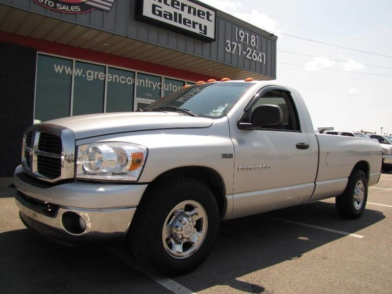 2006 Dodge Ram 2500 2WD Hemi V8 6-Speed