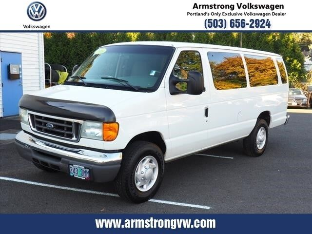 2006_Ford_E-350SD_XLT_ Gladstone OR