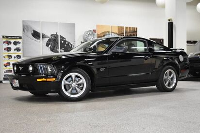 2006_Ford_Mustang_GT Premium_ Boston MA