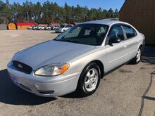 2006_Ford_Taurus_SE_ Gaston SC