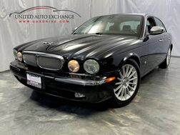 2006_Jaguar_XJ_XJ8 /4.2L V8 Engine / RWD / Sunroof / Front and Rear Heated Leather Seats / SIRIUS XM Equipped_ Addison IL