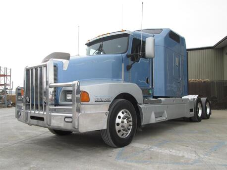 2006_Kenworth_T600 B_Raised Roof_ Eau Claire MN