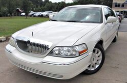 2006_Lincoln_Town Car_** SIGNATURE LIMITED ** - w/ LEATHER SEATS & SUNROOF_ Lilburn GA