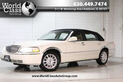 2006_Lincoln_Town Car_Signature - WOOD GRAIN INTERIOR POWER LEATHER SEATS PARKING SENSORS ALLOY WHEELS ADJUSTABLE PEDLES POWER MIRRORS & LOCKS_ Chicago IL