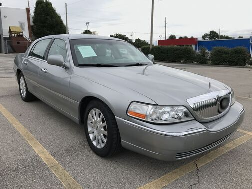 2006_Lincoln_Town Car_Signature_ Frankfort KY