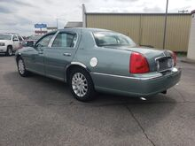 2006_Lincoln_Town Car_Signature_ Heber Springs AR