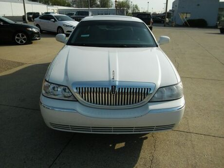2006 Lincoln Town Car Signature Limited Clarksville IN