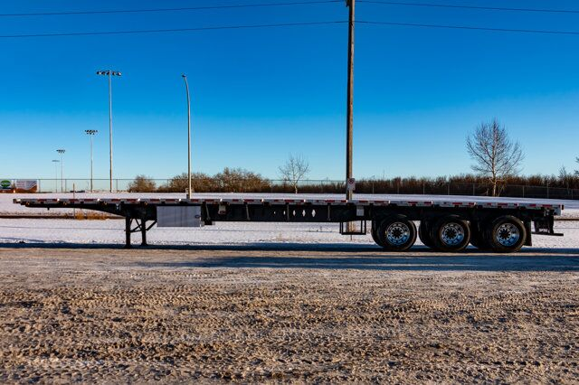 2006 Lode King Tridem 53 FT. Flatdeck Trailer Red Deer AB