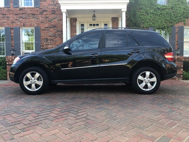2006 Mercedes-Benz M-Class 5 0L 1-OWNER GORGEOUS BLACK VERY WELL KEPT &  MAINTAINED