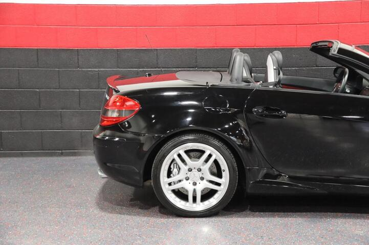 2006 Mercedes-Benz SLK55 AMG 2dr Convertible Chicago IL