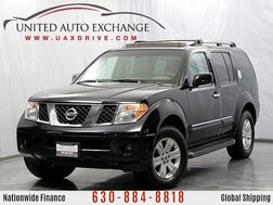 2006_Nissan_Pathfinder_LE 4WD Leather/3rd row seats / Navigation_ Addison IL