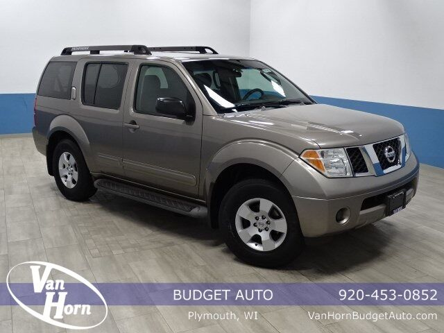 2006 Nissan Pathfinder S Plymouth WI